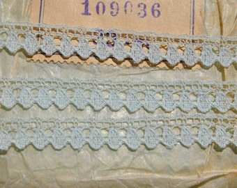 suberb vintage 1950s pale blue picot valenciennes all cotton lace trim made in France 3 meters