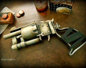 Apocalyptic revolver for costume, cosplay or collection - gun pistol - weapon of fortune - handmade - inspired video game