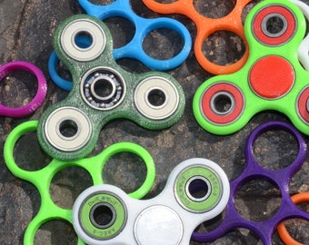 Multiple Colors Hand Fidget Spinner, 4 Bearings, Travel Toy, Stress and Anxiety Relief, Multiple Bearing and Frame Colors