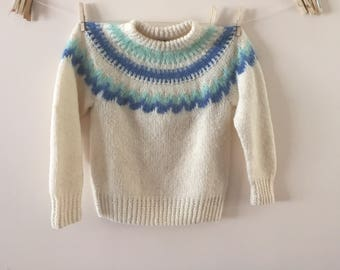 White and Blue Scandanavian Hand knit Sweater Vintage 1980s Sz M