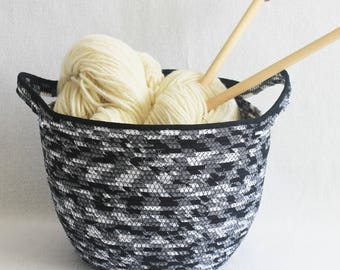Fabric Coiled Clothesline Basket with Handles / Rope Coiled Basket / Extra Large Round Black and White by PrairieThreads