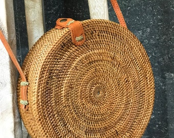 Rattan Bag Natural Handwoven Bali Round Bag, Straw Bag with Button Clip or Bow Closure Bali bag