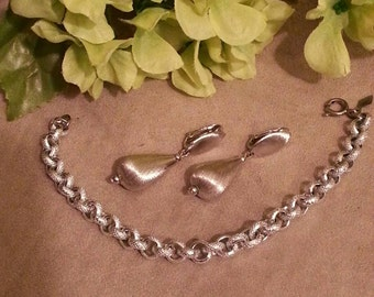 SARAH COVENTRY Silver Bracelet and Earrings Set, Textured Silver Finish, Marked Sarah Coventry, Textured Earrings and Bracelet