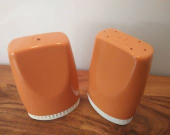 Vintage Retro Salt and Pepper Shakers ~ Salt N Pepper Canisters ~ 1970s Peachy Bakelite Beauties!