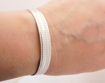 14K White Gold Design Bracelet 7 Inch