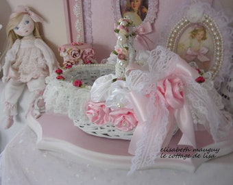 Old basket shabby chic French antique white, full of romance...