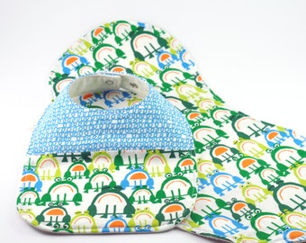 Organic Baby Bib & Burp Cloth Set - Drool Proof! - Blue and Green Frogs, Blue Scribble