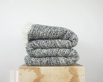 Fluffy Weighted blanket, Woven Boucle wool black and white, Queen Throw blanket for Grandfathers