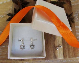 sterling silver tiny star of david earrings-magen david earrings-small star of david earrings-silver magen david jewelry