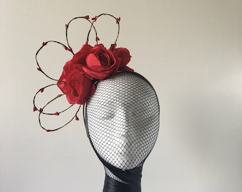 Red roses with Branch details / Fascinator / Headpiece / Headband / Racewear fashion