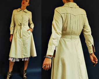 1970s Cream Lightweight Belted Trench Coat with Back Pleating