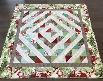 Modern Christmas quilted wallhanging or throw, Holiday decor, Christmas blanket