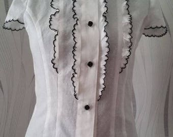 Cotton with embroidered collar blouse