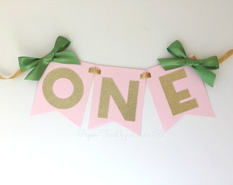 First Birthday High Chair Banner St. Patty's.  ONE High Chair Banner.  Pink and Green Glitter Age Banner.  Photo Prop. Lucky Shamrock