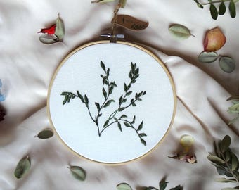 Botanical embroidery hoop, Green leaves embroidered hoop, Minimalist wall art, Embroidered home decor, Hand stitched hoop, Housewarming gift