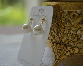 Priscilla: Single Ivory Pearl Drop on Gold Post Earrings