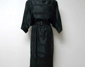 Bill Blass Collection III . 80s black sheer and lace . 3 piece batwing dress set . size 10