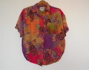 FREE usa SHIPPING Vintage Womens button up shirt rayon top floral blouse gypsy bohemian colorful size medium