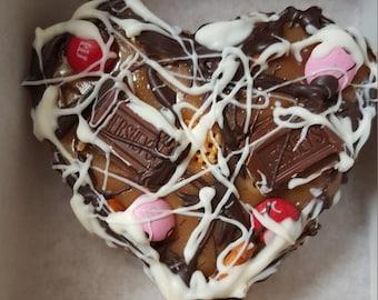 Heart Shape Caramel Chocolate Pizza -  Great Wedding Favor