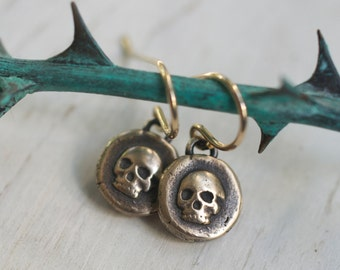 skull earrings - skull wax seal earrings - bronze skull dangle earrings - memento mori - antique wax seal jewelry - skull jewelry