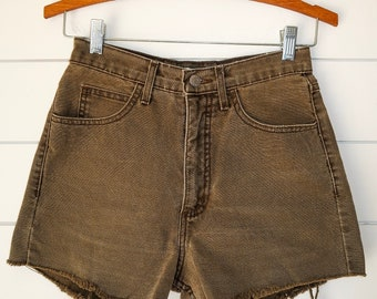 Vintage high waisted guess cut off shorts