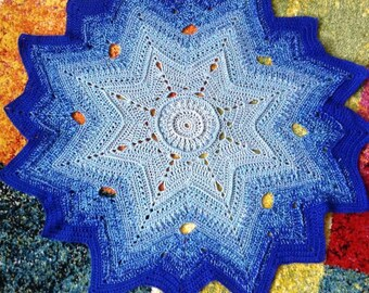 Doily in shades of blue 60x60cm