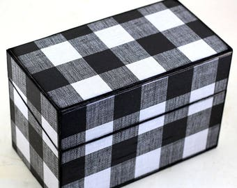 Wood Recipe Box Black and White Plaid Fits 4x6 Cards
