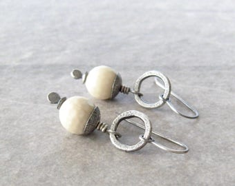 river stone earrings, white drop earrings, oxidized silver, boho drop earrings, white stone earrings