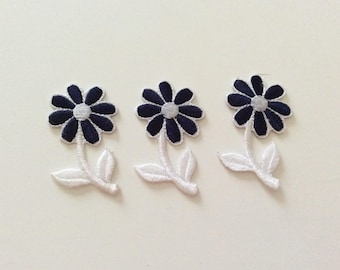 Set of 3 flowers white and blue appliqué embroidery stick iron