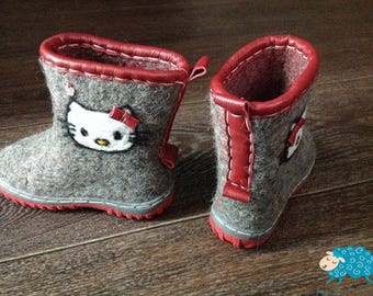 Warm kids boots Felted shoes Organic wool Handmade Kitty boots