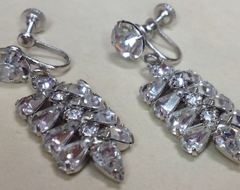 Sparkling Party Earrings – Glamorous 1950s Drop Earrings