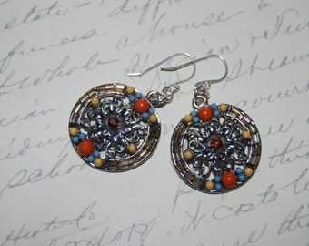 Pretty Silver Metal Accent Round Flowers Earrings