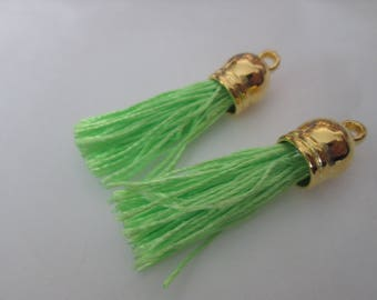 2 PomPoms 45 mm, light green suede fringe tassel