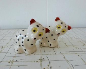 Spotted Cat Dog Vintage Salt and Pepper Shaker Set Crazy Eyes Kitsch S&P Japan
