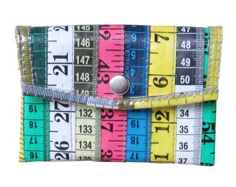 Snap coin purse using measuring tape - FREE SHIPPING - vegan wallet, vegan gift, upcycled coin purse, tape measure purse knitter sewer