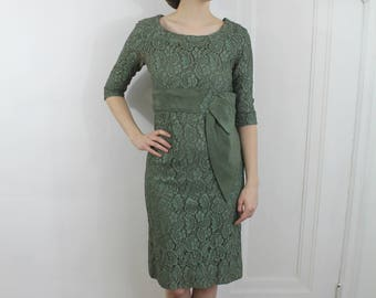 Ivy and Berries Dress - 50s green lace wiggle dress, XS/S