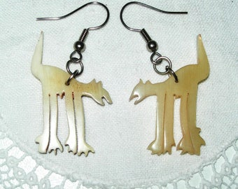 Wild cats, earrings,cream colour, hand carved, horn, genuine, hand made, vintage,drop earrings