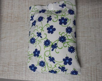 Heating pad filled with rice cotton cotton blue flowers on white background