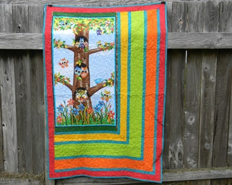 Adorable Owls Everywhere Cotton Quilt