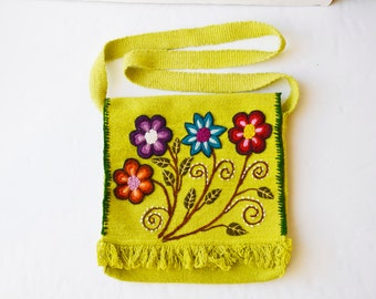 woven bag Hand woven bag with flowers