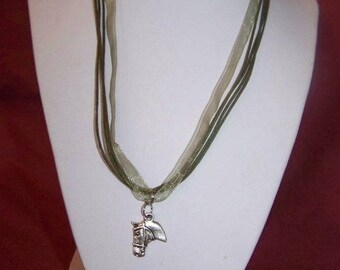 Horse head pendant