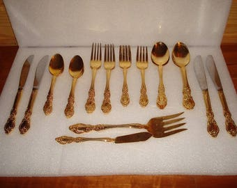Vtg 37 Piece Service For Eight Victorian Style Gold Plated Flatware Set Korea (Not Complete : gold plated cutlery set - pezcame.com