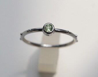 Rumino Peridot Rosary Ring, Sterling Silver Peridot rosary ring, Peridot birthstone ring, Peridot Ring, Peridot Rosario