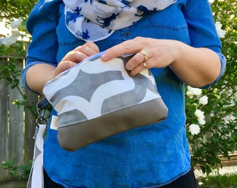 READY TO SHIP: Geometric wristlet/clutch with faux leather bottom