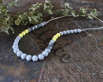 Necklace of teeth to chew on GREY YEL for MOM and baby, silicone