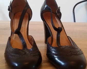 1930s inspired t-bar black leather ladies shoes