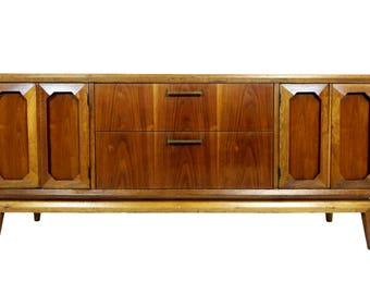 Very rare Mid Century  Credenza by Broyhill Facet Collection 102