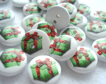 50 Green Xmas Gift Box Wooden Buttons, 13mm Wooden Buttons, Pack of 50 Christmas Buttons, 4p Buttons!! CR26