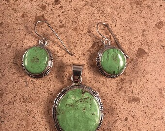 Navajo Gaspeite & Sterling Silver Pendant Set Signed
