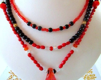 Red Black White necklace multi-row model barbara unique jewelry - travel